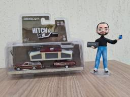 GreenLight - 1981 Ford LTD County Squire and Pop-Up Camper Trailer