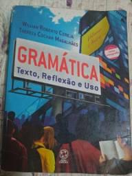 Livro Gramática texto, reflexão e uso William