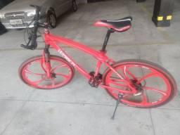 Bicicleta aro 26 rodas de liga leve.