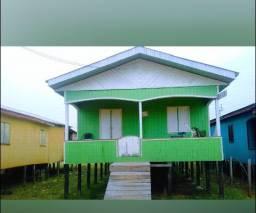 Vende-se uma casa em tarauacá.
