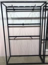 Armário ferro  preto  para loja roupa  (Oportunidade))