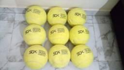 Kit Com 9 Bolas De Tênis Gigantes Guga Kuerten Com Defeito