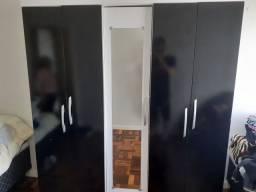 Guarda  Roupa 5 Portas Com Espelho