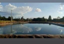 Chácara com lago privativo, 6 km de Trindade.