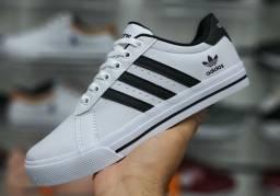 Tênis Adidas Branco e Preto (Frete Gratis)