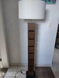Lindo abajur de 1,44 de altura