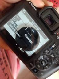 Título do anúncio: Canon t6 Eos usada