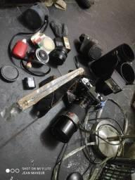 Camera antiga com vários acessórios oportunidade única