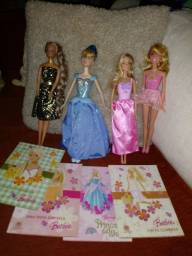 Título do anúncio: Lotinho de Barbie leia a descrição