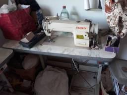 Título do anúncio: Máquina de costura reta e interloque