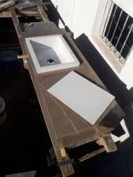 Lavatório + nicho em porcelanato