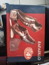 Kit Sapato n* 39 da Rafarillo 4 em 1 na caixa