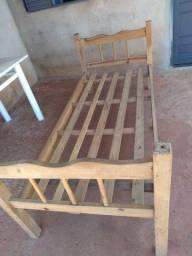 Título do anúncio: cama de madeira solteiro