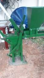 Título do anúncio: Máquina/Prensa de tijolo ecológico+ TRITURADOR  *Oportunidade