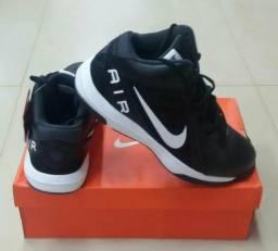 Bota Nike número 44/ Novo e Original