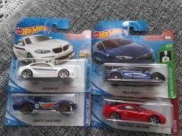 Hot wheels R$ 10 reais cada
