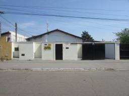 Casa  com 2 quartos - Bairro Vila Rezende em Goiânia