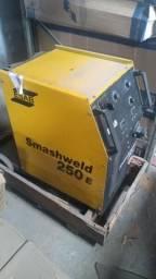 Máquina Smashweld 250 E