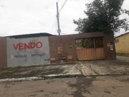 Casa com barracão Pedro Ludovico; estuda propostas: