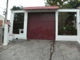 Casa à venda com 3 dormitórios em Bom jesus, Porto alegre cod:TR7915