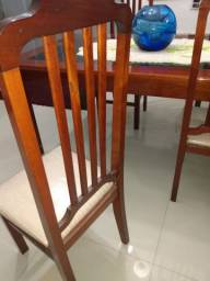 Mesa oito cadeiras