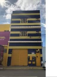 Aluga-se apartamento amplo localizado no centro comercial de Juazeiro- Ba