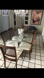 Mesa de jantar com cadeiras