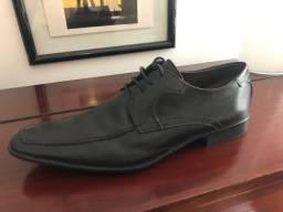 Sapato Social Sergio's em couro legítimo