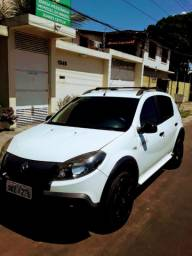 Vendo SANDERO STEPWAY  TWEED 1.6 ANO 2014