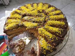 Torta recheada (25 fatias)