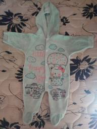 Macacão de bebê menina