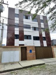 Locação apartamento com 2 quartos sendo 1 suíte no Catolé
