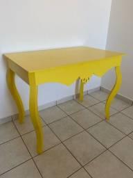Mesa de decoração Usada