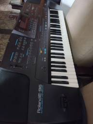 Título do anúncio: Teclado Roland Mod E96