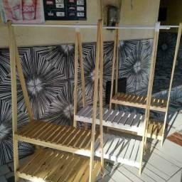 Título do anúncio: Araras de roupas 100% Madeira de pinos