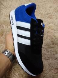 Tênis Adidas Preto e Azul (Frete Gratis)