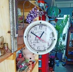 Relógio modelo colonial