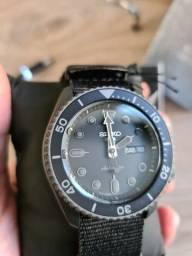 Relógio Seiko SRPD79K1 5 Sports Automático Preto<br><br><br>
