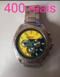 Vendo 4 relógio da marca Oriente.