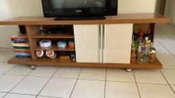 Rack de TV com rodinhas