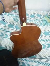 Estou vendendo um violão novo elétrico