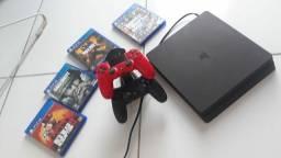 Ps4 com 8 jogos , 2 controles originais e carregador duplo 2000 reais