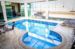 Casa à venda com 03 quartos e piscina coberta e aquecida no Diniz II em Barbacena.
