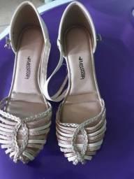 Título do anúncio: Sapato feminino número 38