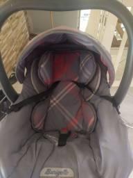 Bebê conforto e mosquiteiro