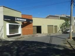Imóvel Comercial 665 m² de terreno, próximo a Avenida Bernardo Sayão no Setor Centro Oeste