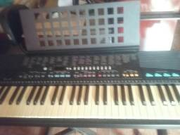 Teclado Yamaha psr310
