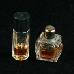 Dois Perfumes Miniaturas Bastante Mimosos anos 50