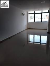 Alugo: Excelente sala comercial com ótima localização no Alfa Corporate