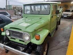 Toyota 1973,impecavel restaurada